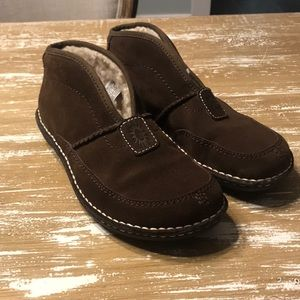Shearling Lined Ugg Slip-on Booties Sz. 9